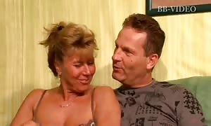 Two mature moms I would desire to have sex with are going wild with their brand-new shared boyfriend
