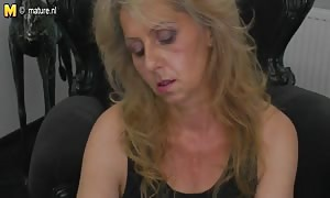 mature mother whacking it watching xHamster
