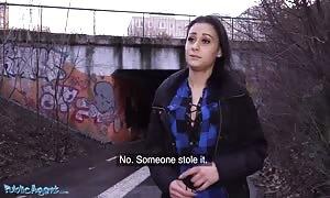 Public Agent Stranded hotty Klaudia Diamond slammed rigid for cash
