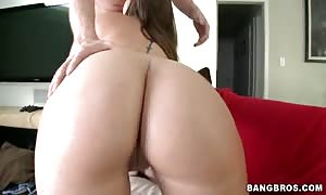 Astonishing mommy I'd desire to bang with huge ass deepthroating shlong in butt Parade video clip