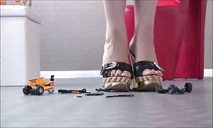 heels VS Toys a million