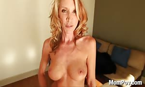 hot mommy pounds and guzzles