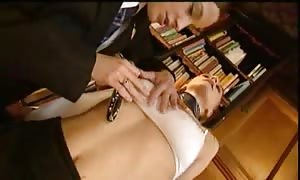 Schoolgirls are turned on in the 3some
