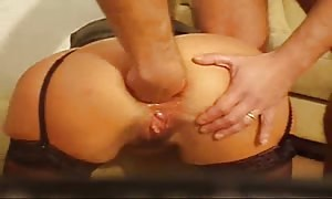 girl booty sex fist-fucked and bottled - building made gonzo